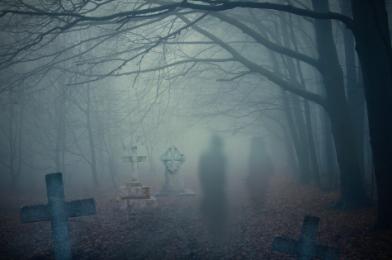 9  strašidelných príbehov a románov, vďaka ktorým tak skoro v noci nezaspíte