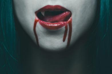 39 top kníh o upíroch, do ktorých si môžete zaboriť zuby
