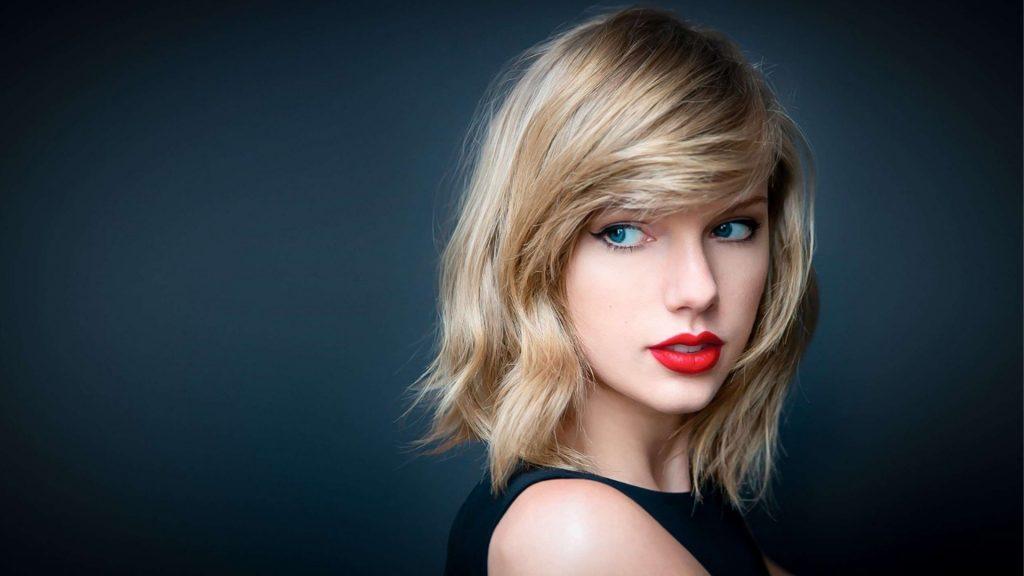 9 kníh, ktoré odporúča Taylor Swift